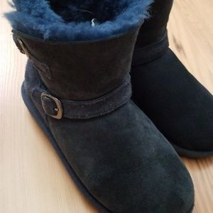 Navy blue Ugg type child boots